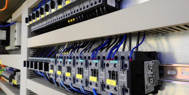medidores-padrão-de-entrada-queda-de-energia