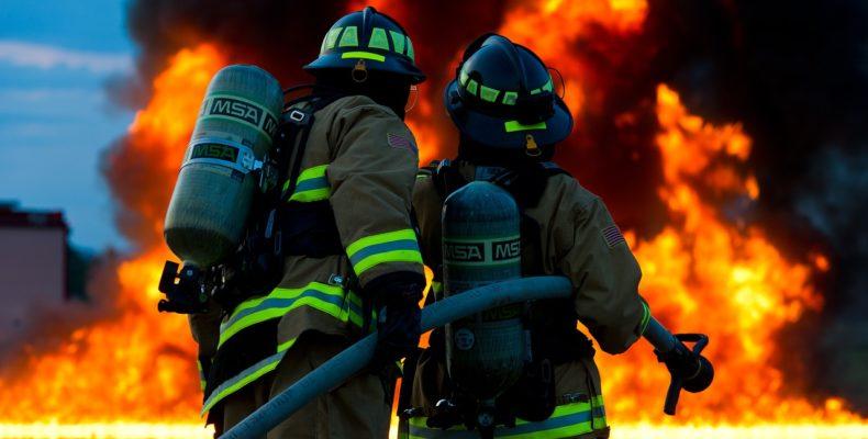 Bombeiros combatem incêndio a partir de falhas humanas que poderiam ter sido evitadas
