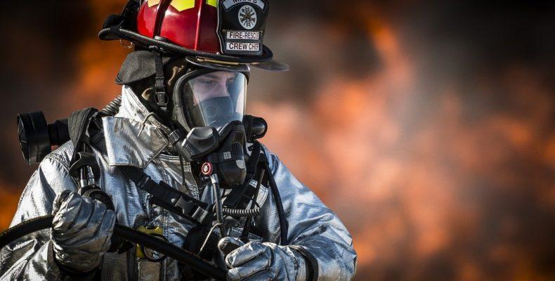 Projeto de combate a incêndio e bombeiro.