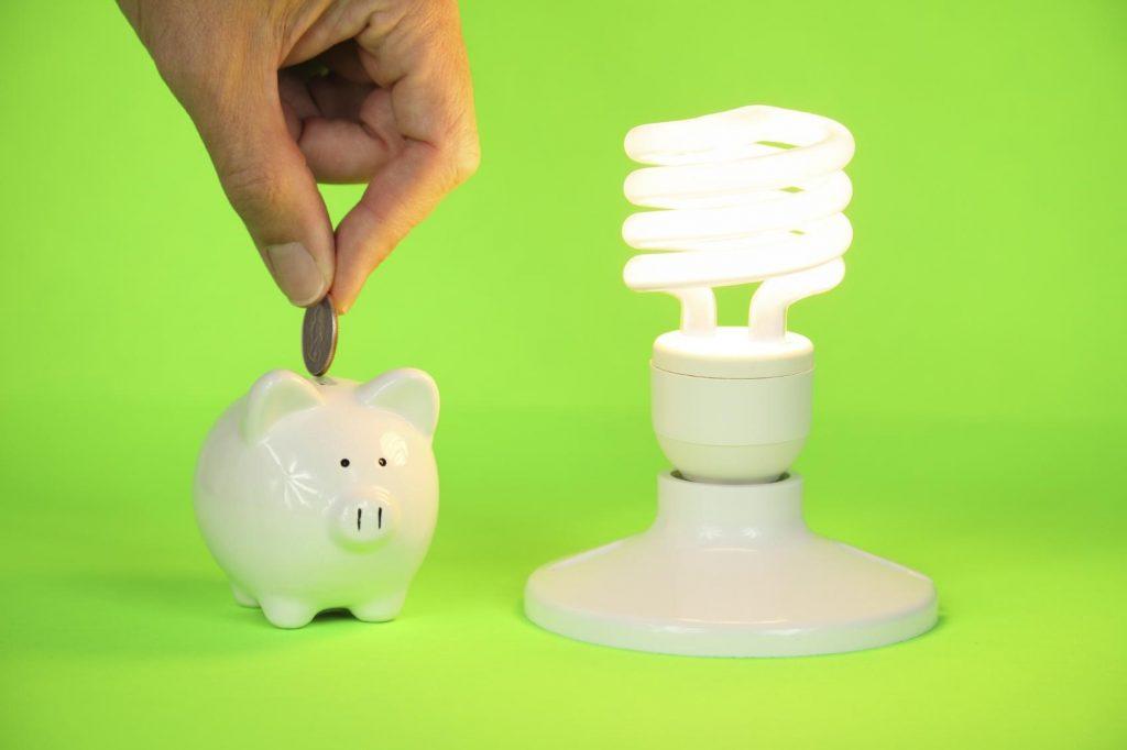 Ilustração de Economia gerado pelos serviços de consultoria e assessoria em energia elétrica