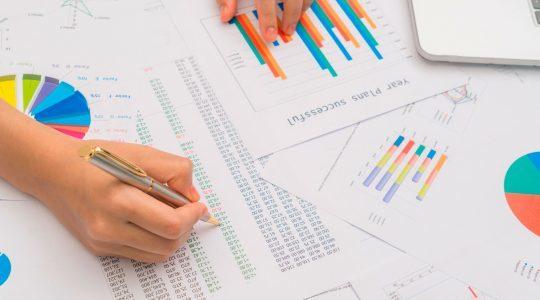 Papeis com Gráficos de Consultoria e Acessoria em energia elétrica