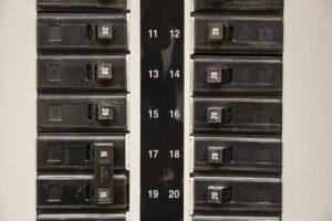 Disjuntores no quadro geral