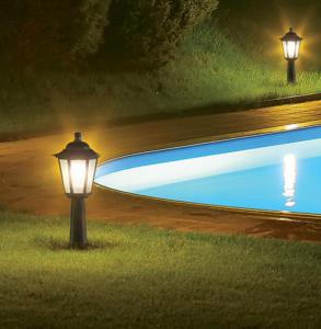 Exemplificar o uso da iluminação de orientação em um condomínio.